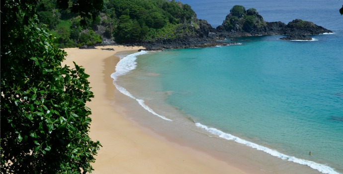 Praia Baía do Sancho em Fernando de Noronha