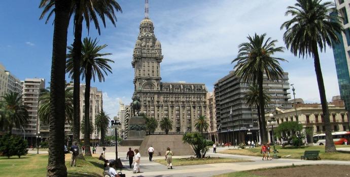 Praça da Independência em Montevidéu