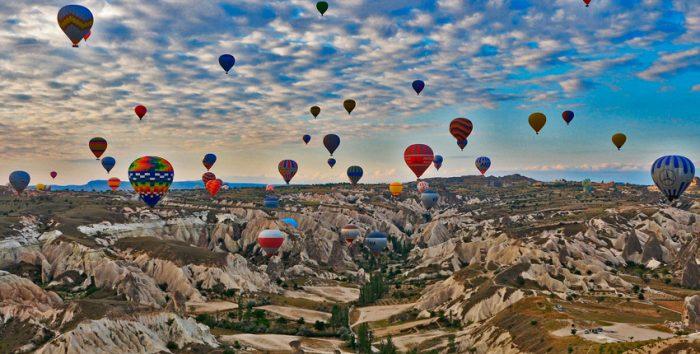 Foto de balões na Turquia