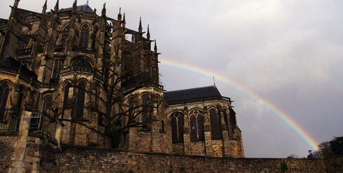 Foto de Catedral em Le Mans